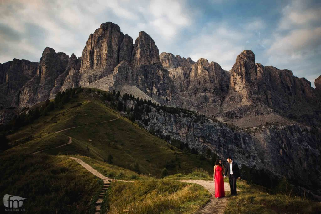 Couple Photoshoot in the Dolomites, Alpe di Siusi.