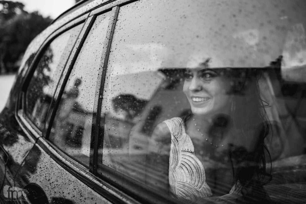 finestrino bagnato durante un matrimonio a villa corner della regina