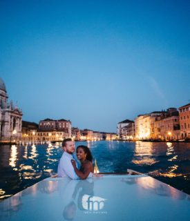 An engagement service in Venice at sunrise