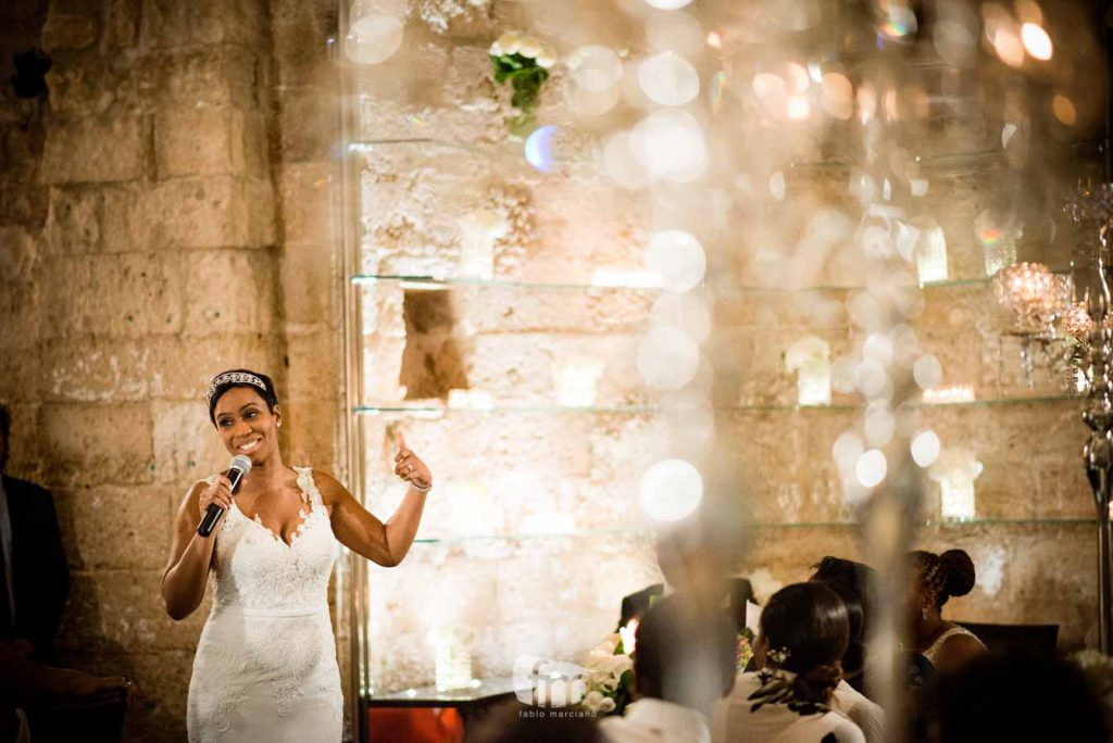 Bride during the speech at the lamparas al fortino